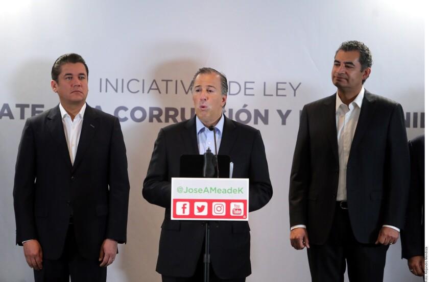 José Antonio Meade, precandidato presidencial del PRI, propuso una reforma para obligar a los funcionarios corruptos a pagar hasta tres veces el monto obtenido de manera ilegal.