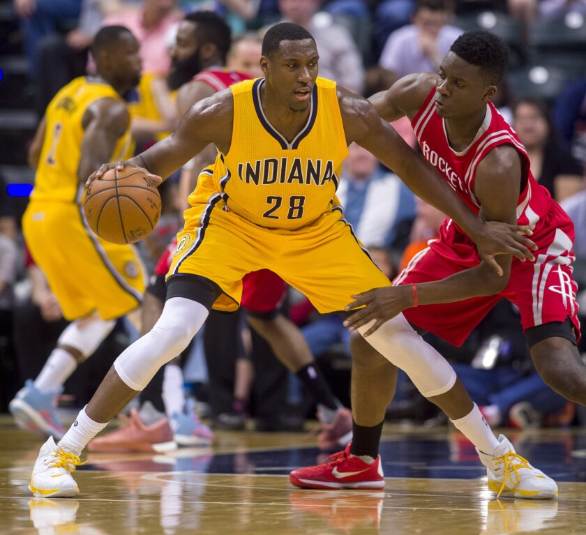 Pacers hold off Rockets, 104-101