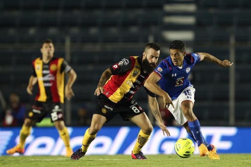El volante español Marc Crosas regresará al fútbol mexicano para jugar con el Tampico Madero el torneo Clausura 2017 de la Liga de Ascenso, segunda división, informó hoy el club. EFE/ARCHIVO