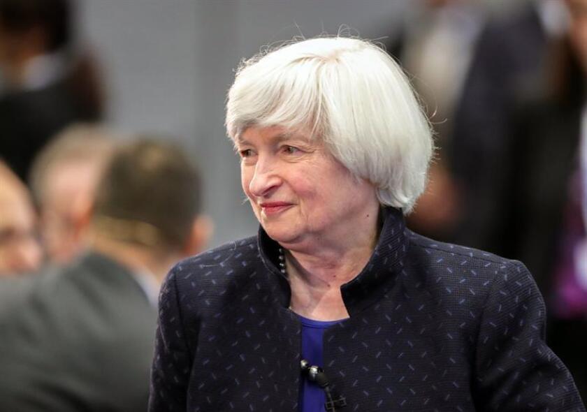 """La Reserva Federal (Fed) destacó hoy que """"el sustancial impulso subyacente en la economía"""" ha aumentado """"la probabilidad"""" de avanzar en el ajuste gradual de tipos de interés a lo largo de este año. EFE/Archivo"""