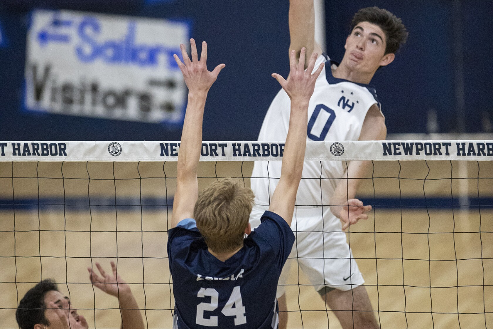 Newport Harbor boys volleyball rallies past Loyola to make second