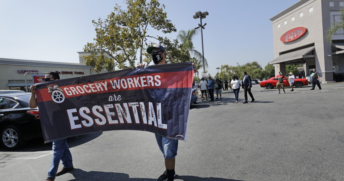L.A. County approves 'hero pay' for grocery workers - Los Angeles Times