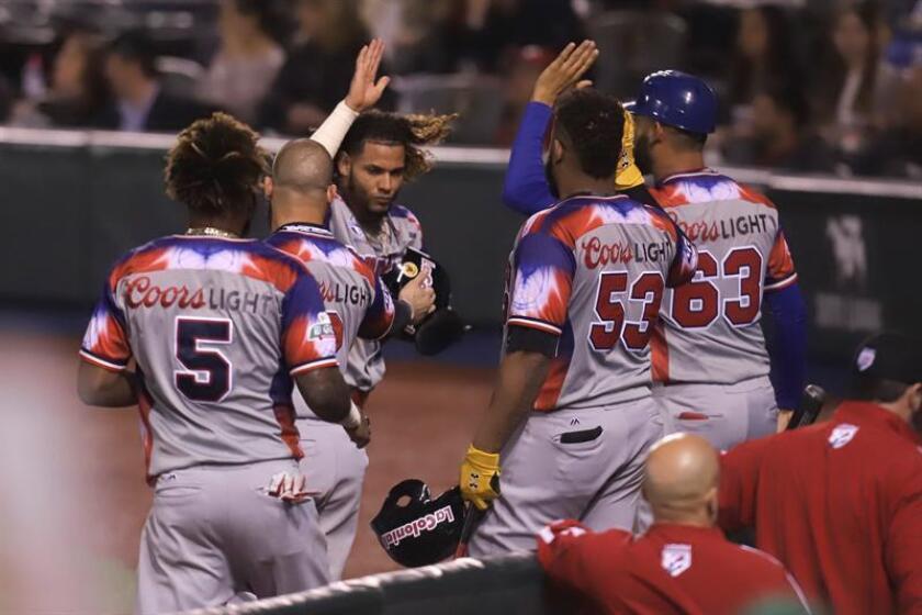En la imagen, un registro de otra celebración de los jugadores de las Águilas Cibaeñas de República Dominicana. EFE/Archivo