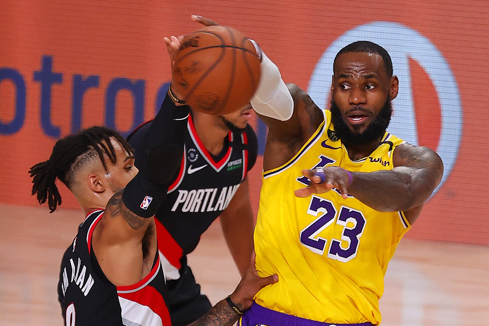 Lakers Show No Rhythm Against Trail Blazers In Return To Playoffs Los Angeles Times