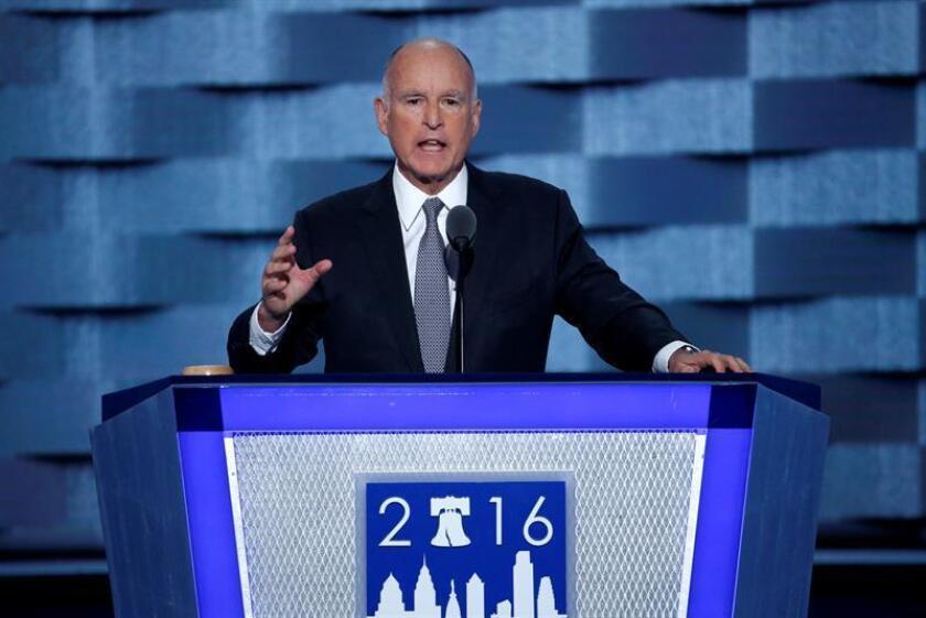El gobernador de California, Jerry Brown, nominó hoy formalmente al congresista federal Xavier Becerra para dirigir la Fiscalía General del estado, desde donde enfrentará retos para cumplir las leyes del estado, aunque tenga que encarar medidas que pueda presentar el presidente electo, Donald Trump. EFE/ARCHIVO