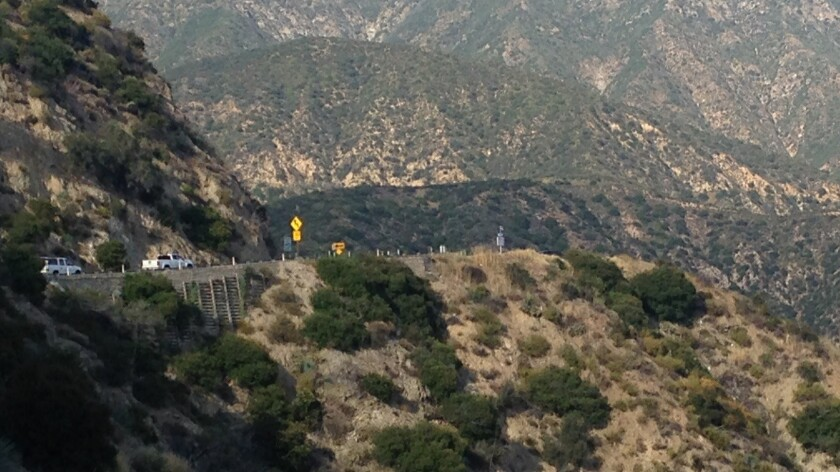 Sheriff's deputies detain armed suicidal man on Angeles Crest Highway