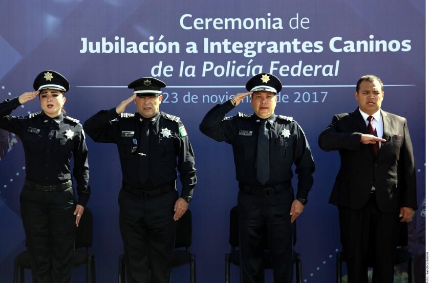 Tras revelarse que hoteles han desalojado a agentes por adeudos, el Comisionado General de la Policía Federal, Manelich Castilla, urgió ayuda a los estados.