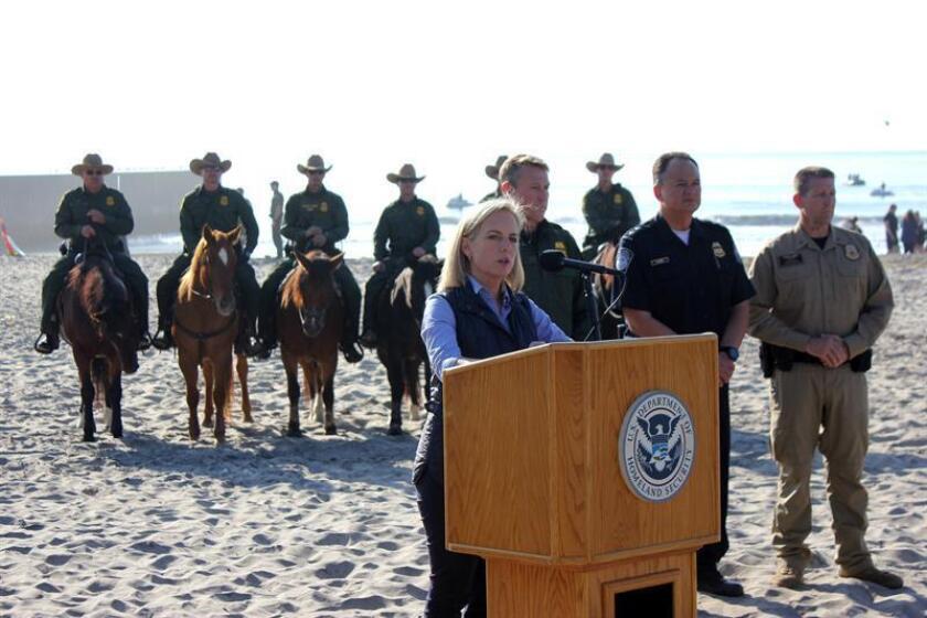 La secretaria del Departamento de Seguridad Nacional (DHS) de Estados Unidos, Kirstjen Nielsen, habla durante una rueda de prensa ofrecida el martes 20 de noviembre de 2018, en playa Imperial de San Diego, California (EE.UU.). EFE/Archivo