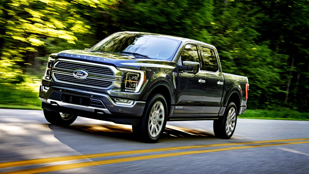 Image of article 'Ford's new F-150: America's favorite pickup goes hybrid (in more ways than one'