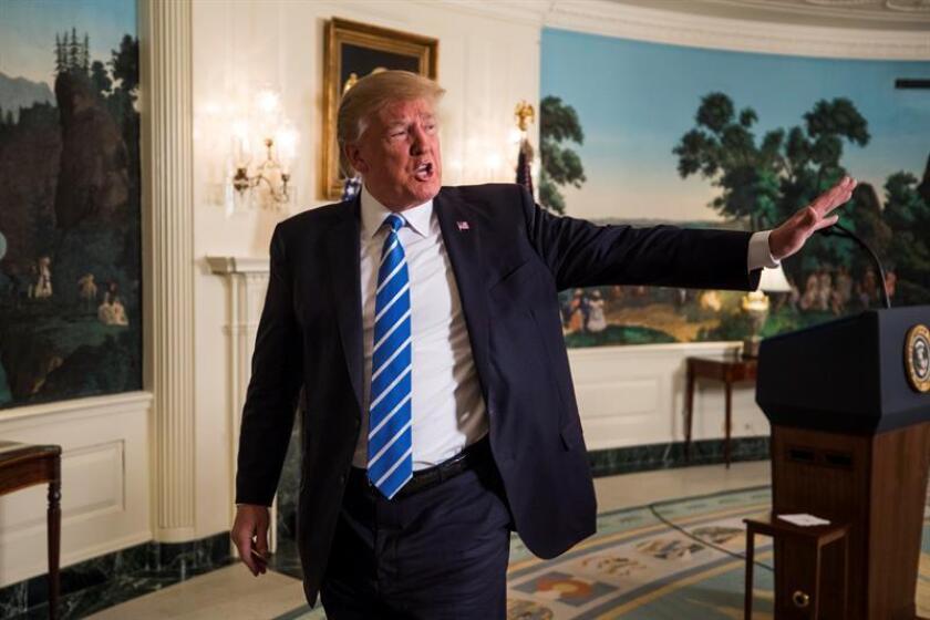 El presidente estadounidense, Donald Trump, pronuncia un discurso el miércoles 15 de noviembre de 2017, en la Casa Blanca, en Washington (EE.UU.). EFE/Archivo