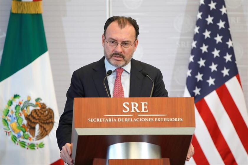 """México continuará con """"retos"""" en seguridad, comercio y migración con Estados Unidos pese a la victoria de los demócratas en la Cámara de Representantes, consideró hoy el canciller mexicano, Luis Videgaray. EFE/Archivo"""