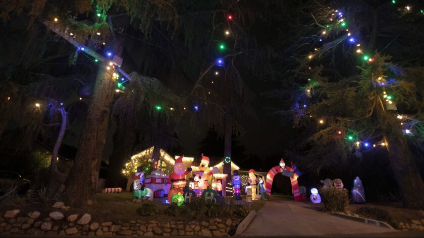 Christmas Tree Lane.Altadena S Christmas Tree Lane Evokes An Old Fashioned