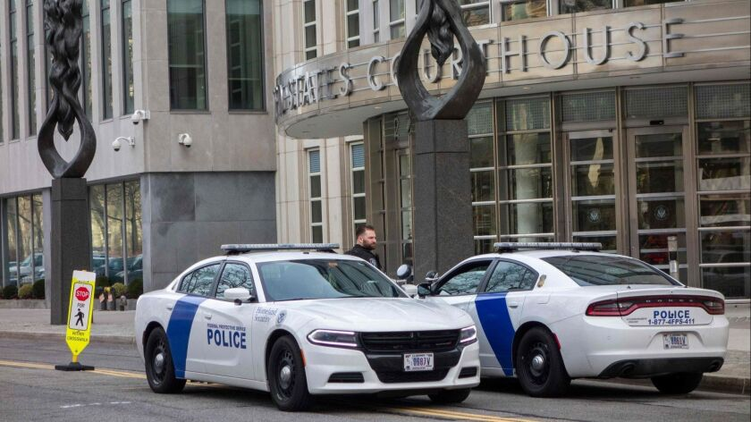 """Police outside the courthouse in Brooklyn, N.Y., where Joaquin """"El Chapo"""" Guzman is on trial."""