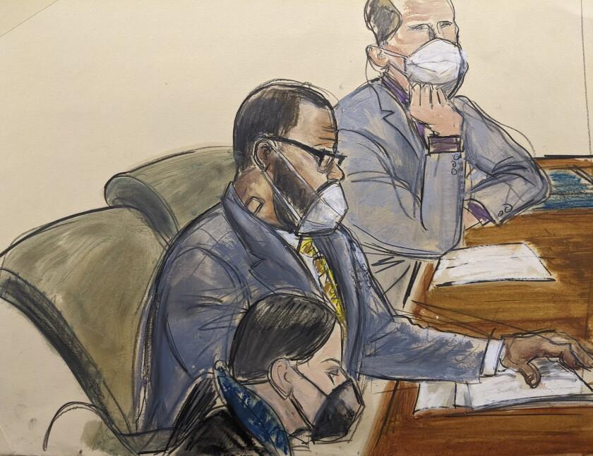 En esta ilustración de la corte R. Kelly, centro, con sus abogados defensores Thomas Farinella