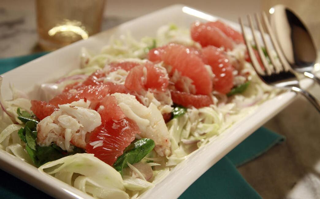 Pink grapefruit and fennel salad with crab