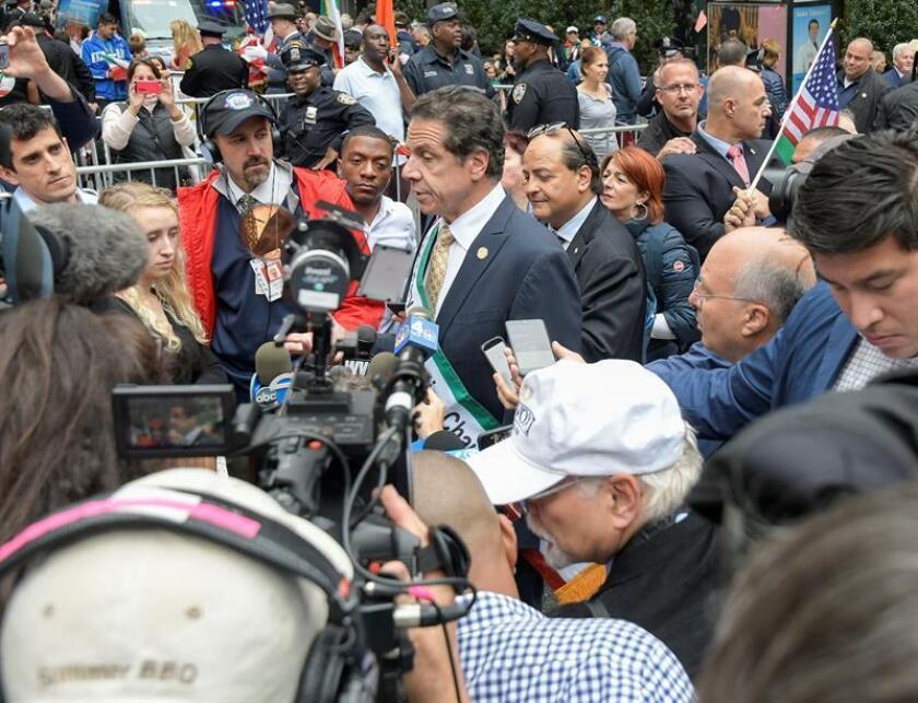 El gobernador de Nueva York, Andrew Cuomo, adelantó el lunes sobre la investigación que el conductor, Scott Lisinicchia, no tenía la licencia adecuada y además la limusina no había superado una inspección física el mes pasado relativa a su sistema de suspensión, el chasis y el de frenado. EFE/Archivo