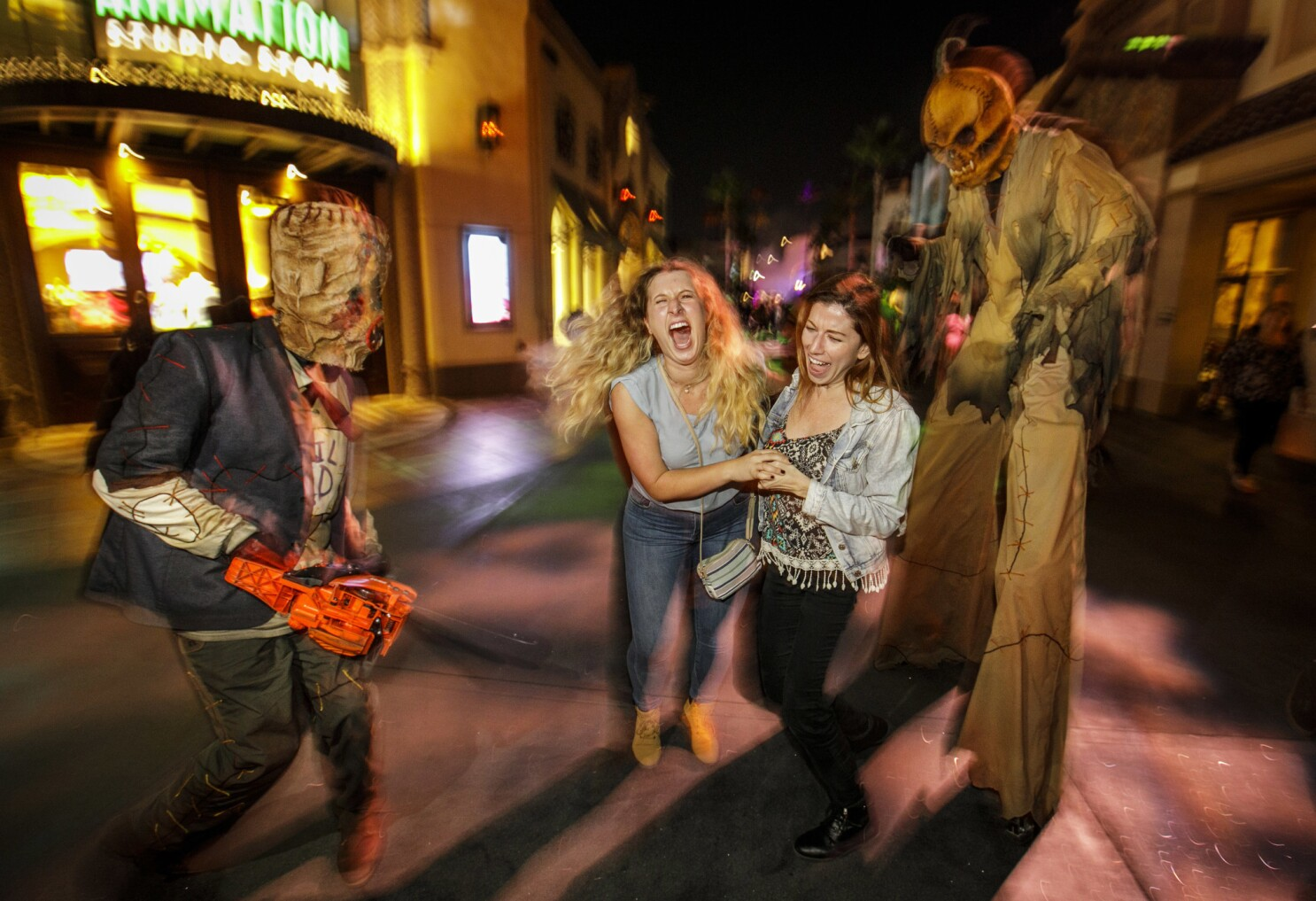 Los Angeles Halloween 2020 Halloween canceled? COVID 19 threatens theme parks, costumers