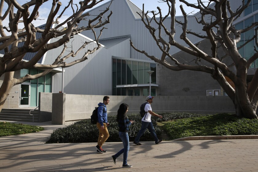 Obama proposes tuition-free community colleges for millionn of students.