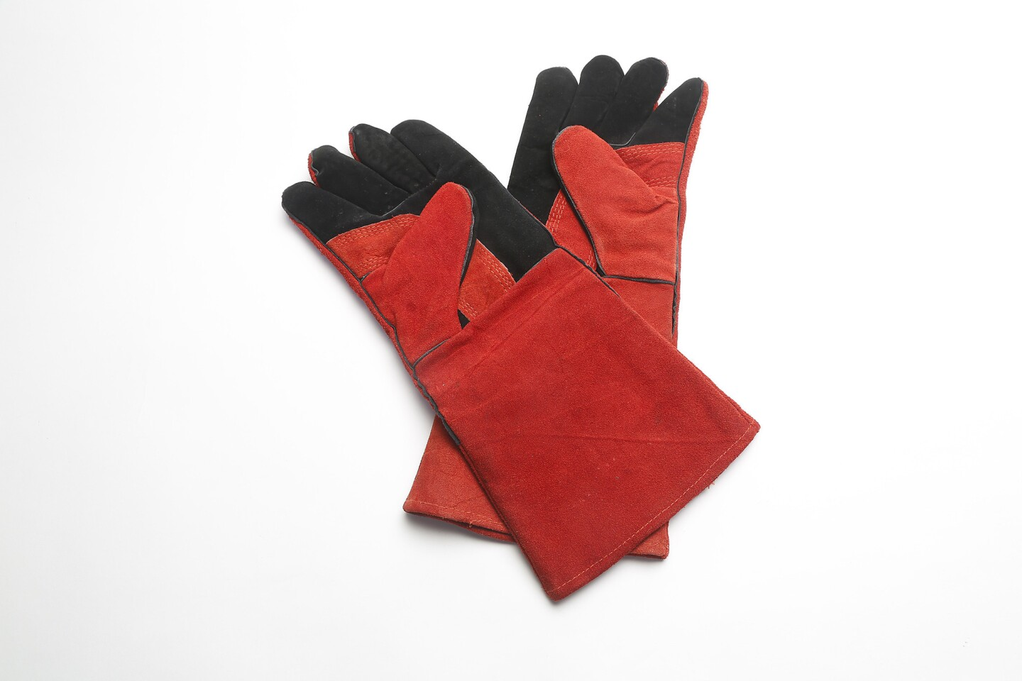 Fireproof gloves can handle the heat.