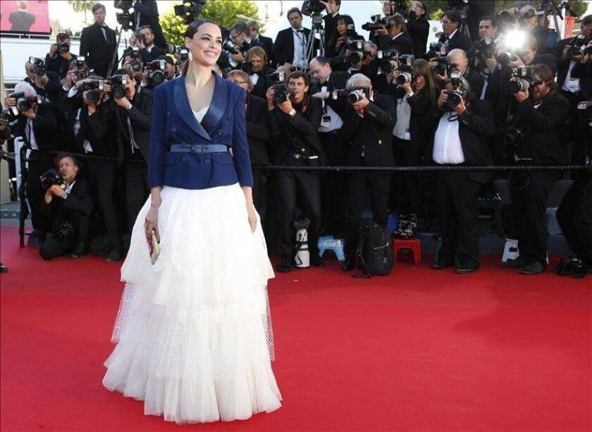 """La actriz francesa  Berenice Bejo posa a su llegada a la presentación de la película """"Le Passe"""" en el ámbito de la 66ª edición del Festival Internacional de Cine de Cannes (Francia). EFE/Archivo"""