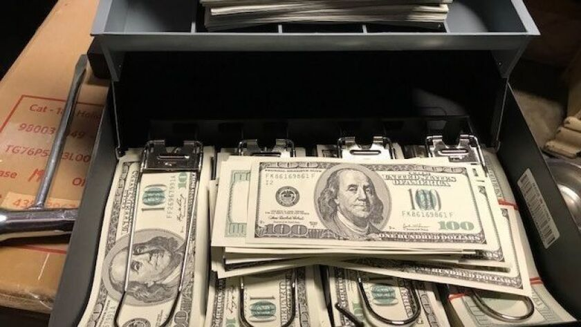 Glowing reviews tout counterfeit cash on the dark web - Los