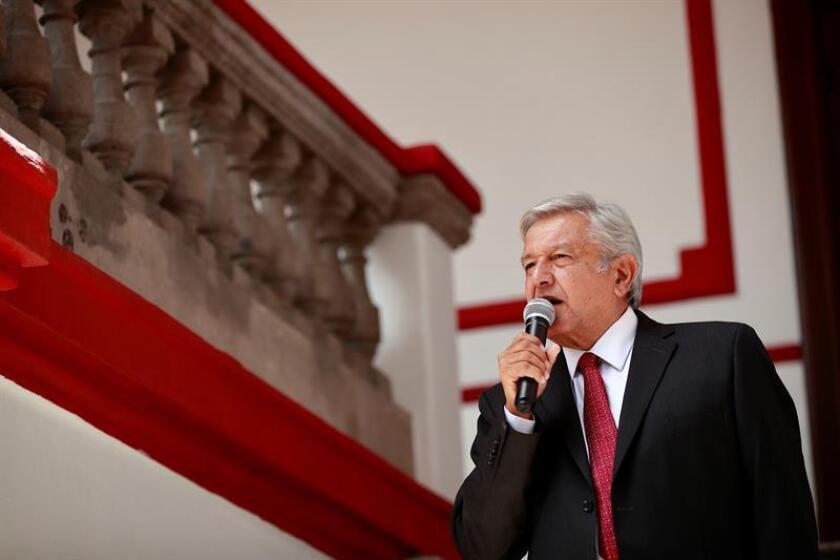 El presidente electo de México, Andrés Manuel López Obrador, habla durante una rueda de prensa en Ciudad de México (México). EFE/Archivo