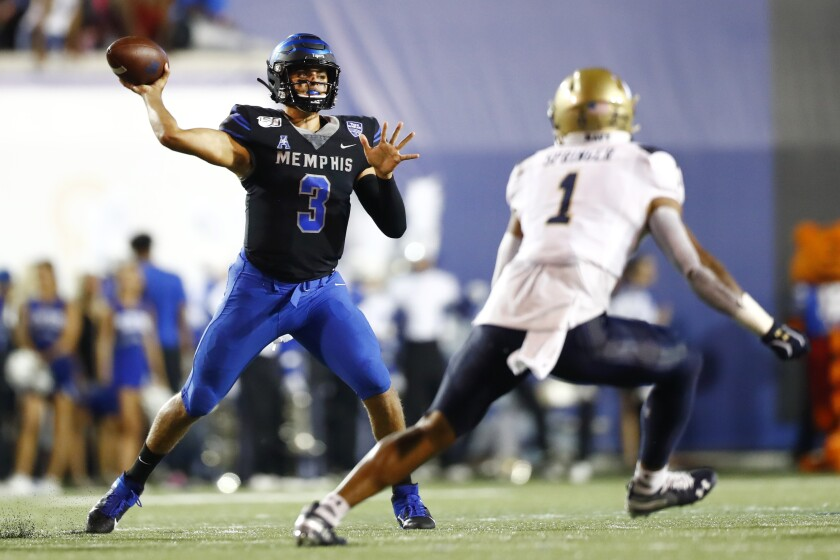 Memphis Remains Undefeated With A 35 23 Win Over Navy The