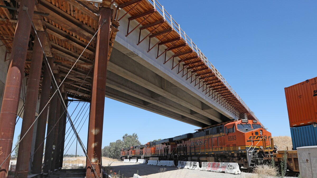 California bullet train will fail absent a complete overhaul - Los Angeles  Times