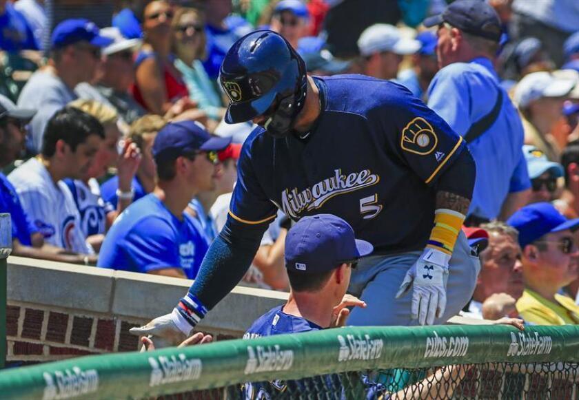 En la imagen, el segunda base dominicano Jonathan Villar de los Cerveceros de Milwaukee. EFE/Archivo