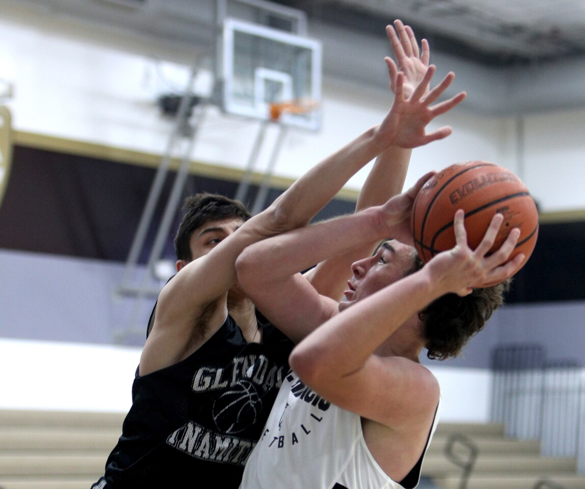 Photo Gallery: St. Francis High basketball vs. Glendale in Summer shootout