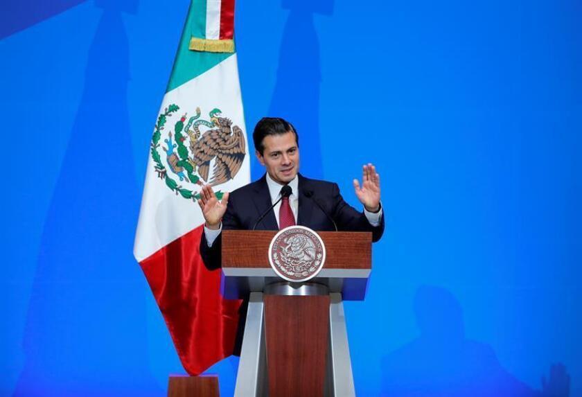 El presidente mexicano, Enrique Peña Nieto, resaltó hoy la generación de 132.317 empleos en noviembre para acumular un total de casi 3,5 millones creados en lo que va de su administración, iniciada el 1 de diciembre de 2012 y que concluirá el 30 de noviembre de 2018. EFE/ARCHIVO