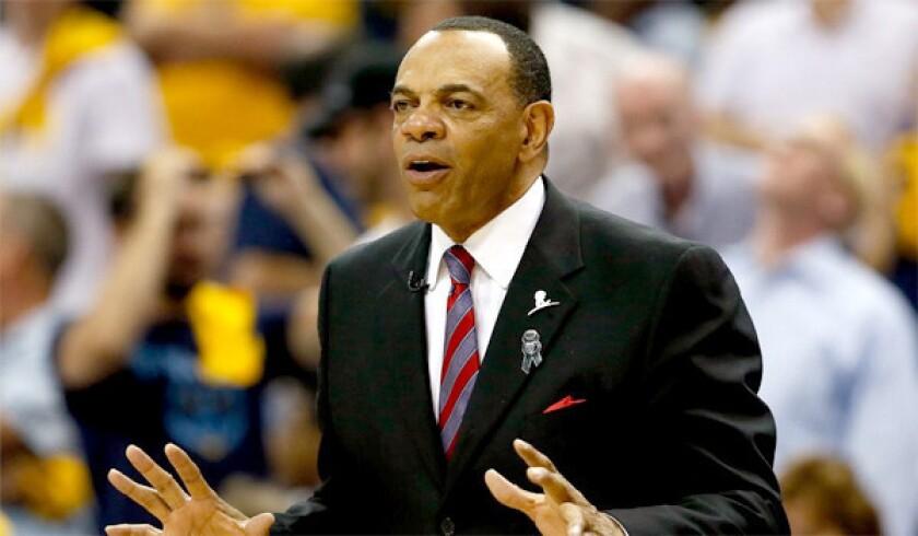 Assistant coach Lionel Hollins