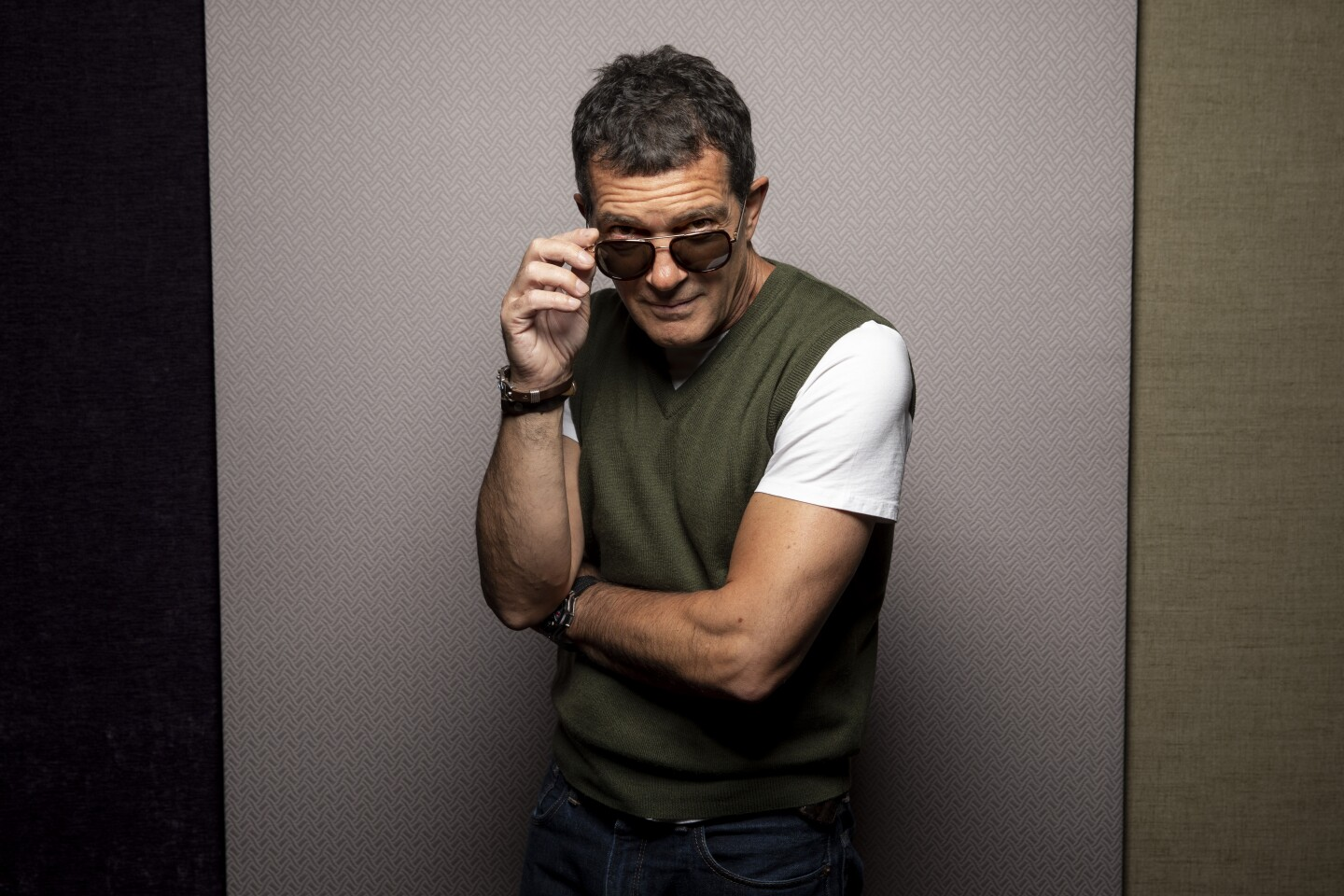 """TORONTO, ONT., CAN -- SEPTEMBER 09, 2019-- Actor Antonio Banderas, from the film """"The Laundromat,"""" photographed in the L.A. Times Photo Studio at the Toronto International Film Festival, in Toronto, Ont., Canada on September 09, 2019. (Jay L. Clendenin / Los Angeles Times)"""