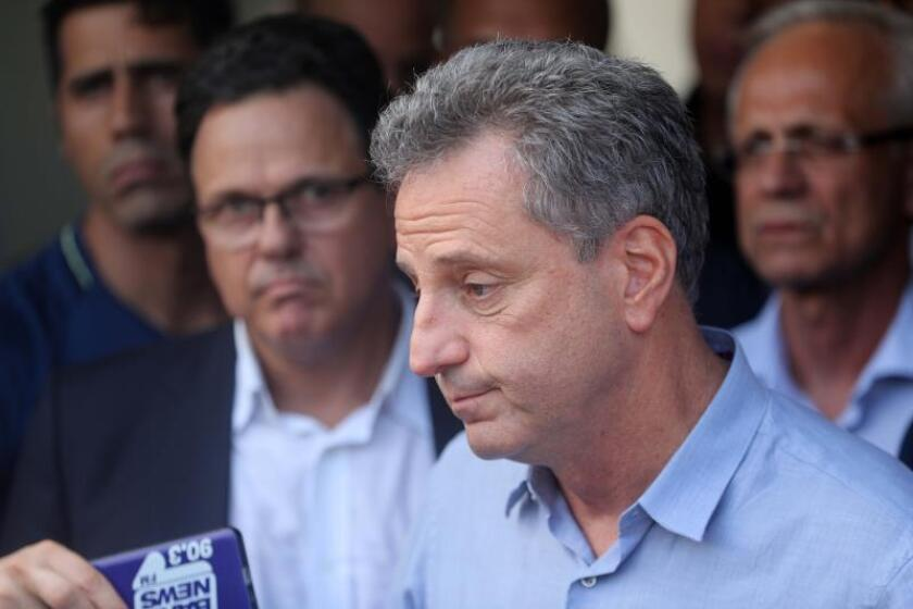 En la imagen, el presidente de Flamengo, Rodolfo Landim (d). EFE/ Antonio Lacerda/Archivo