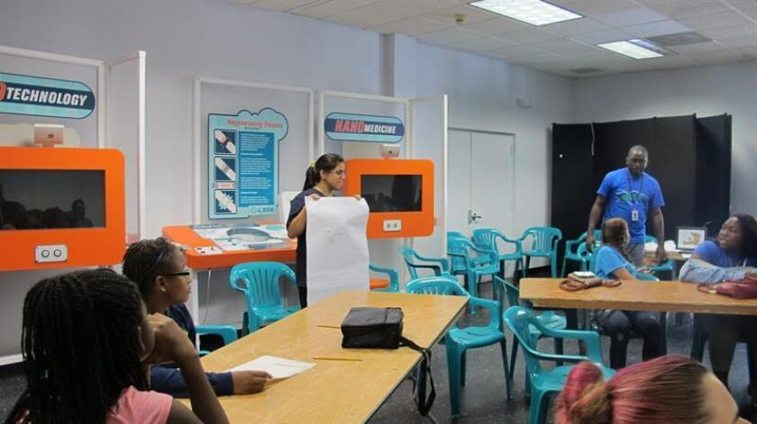 Más de 400 mil niños en edad escolar nacidos en Estados Unidos forman parte ahora del sistema académico en México, a la vez cerca de 700 mil niños mexicanos se encuentran en escuelas de Estados Unidos y ambos comparten los mismos retos de educación, según un informe revelado hoy.