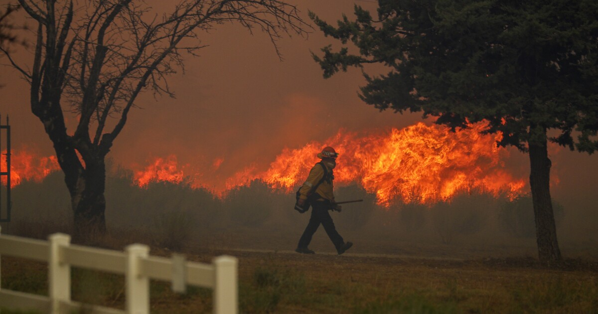 Editorial: A better way to help Californians survive wildfires: Focus on homes, not trees