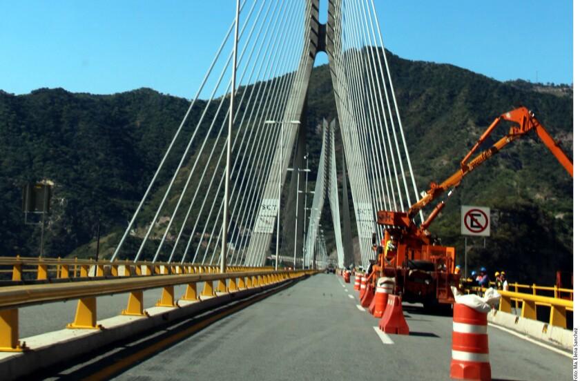 Para antes de Semana Santa quedarán concluidos los trabajos que mantienen cerrado un buen tramo de la Supercarretera Durango-Mazatlán.