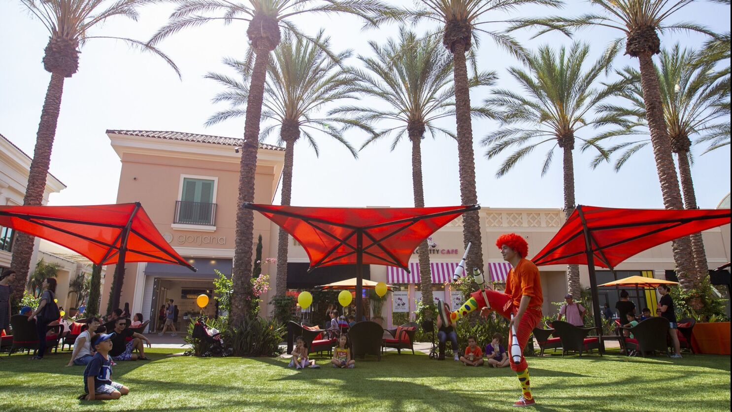 200 Million Makeover Brings New Shops Open Spaces To Irvine Spectrum Los Angeles Times