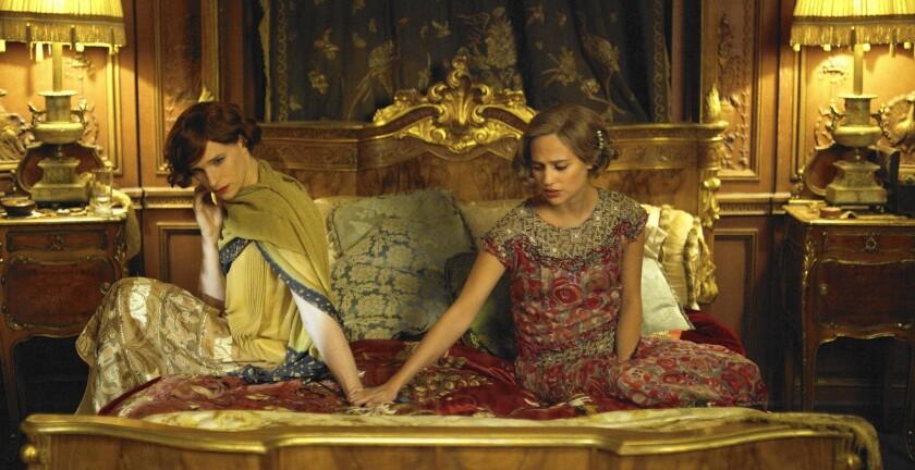 Exquisitely acted intimacy in 'Danish Girl' pulls you in