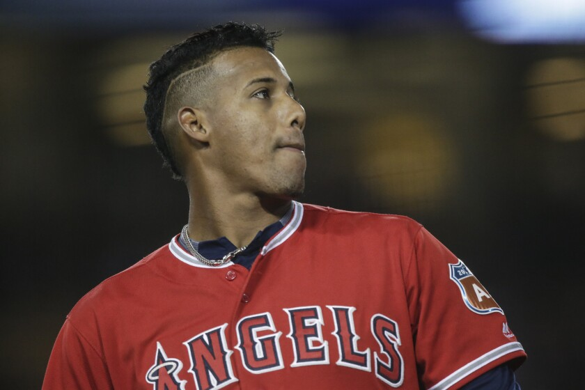 Yunel Escobar's throwing woes not a concern for Angels manager