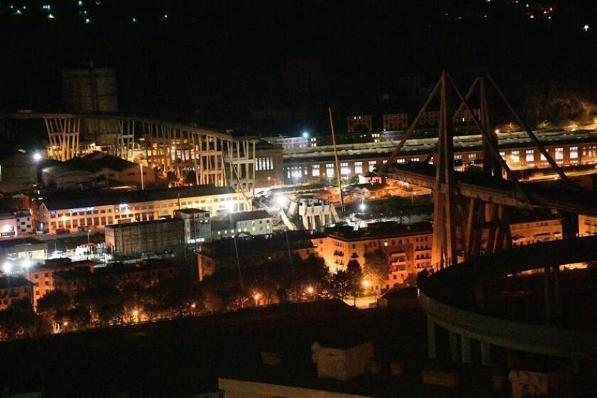 Vista del puente Morandi tras su derrumbe en Génova, Italia, 15 de agosto de 2018. EFE
