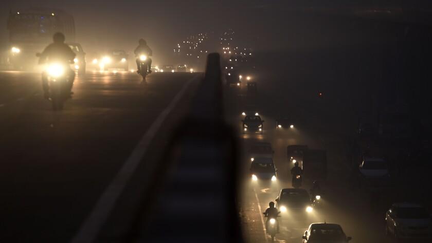 TOPSHOT-INDIA-POLLUTION-SMOG