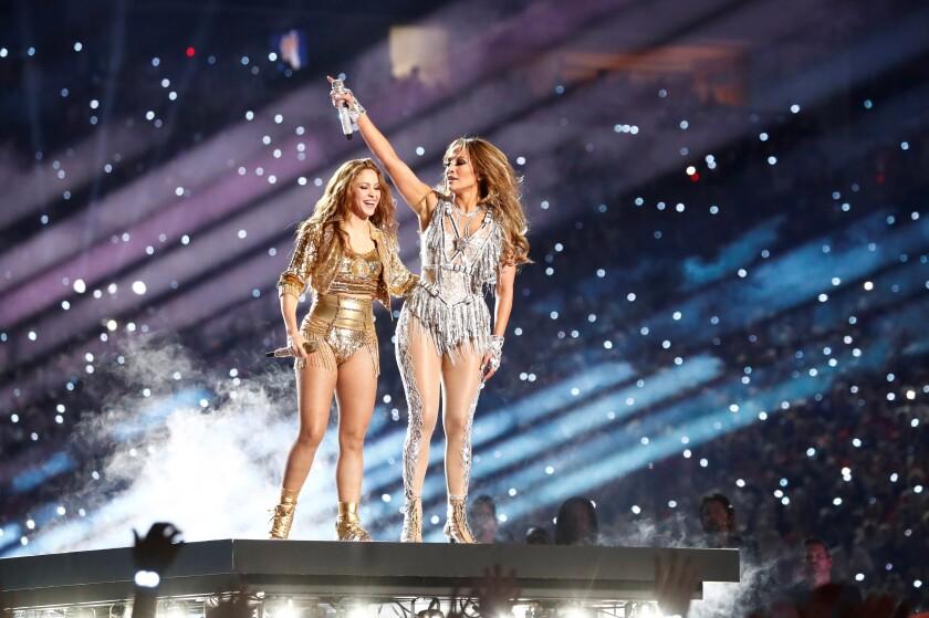Miami Gardens (United States), 02/02/2020.- Colombian singer Shakira and US singer Jennifer Lopez. EFE/EPA/JOHN G. MABANGLO