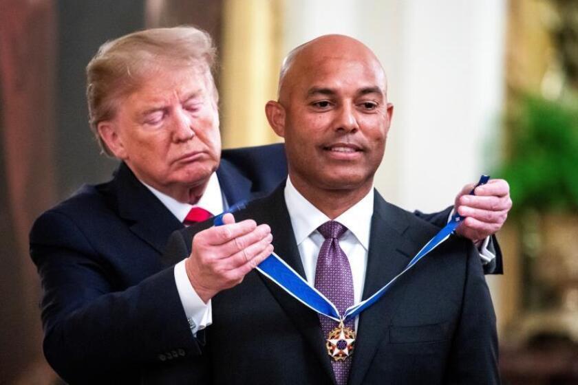 Pelotero Mariano Rivera recibe máxima condecoración de EE.UU. de manos de Trump