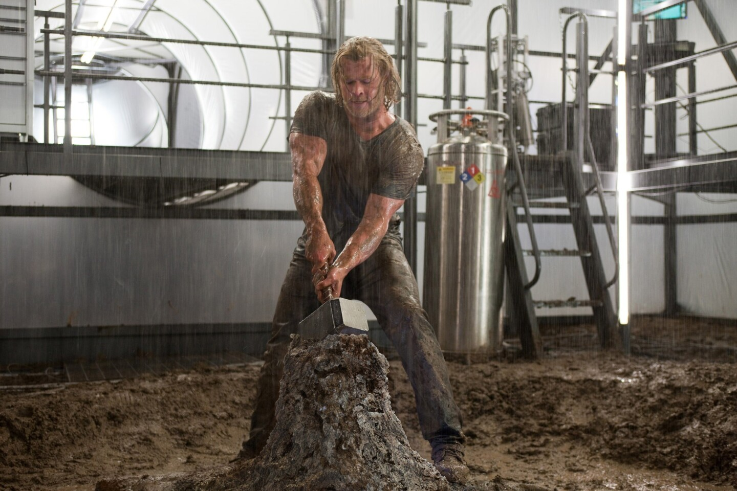 "Character: Thor, the Norse god of thunder Weight change: Hemsworth gained 20 pounds of muscle for the role. Method: Hemsworth revealed that he had never lifted weights before preparing for ""Thor."" With a trainer, the actor utilized workouts that varied weight and reps to build dense muscle mass. Come production time Hemsworth was actually too big for his costume, and he had to burn calories until he fit. There's more: The actor looked noticeably slimmer at the ""Thor: The Dark World"" premiere (sequel to ""Thor""). He told Jimmy Kimmel that he's limited to 500 calories a day as he gets thin to play a stranded sailor in ""In the Heart of the Sea."" That equates to a few small salads throughout the day and going to bed hungry."
