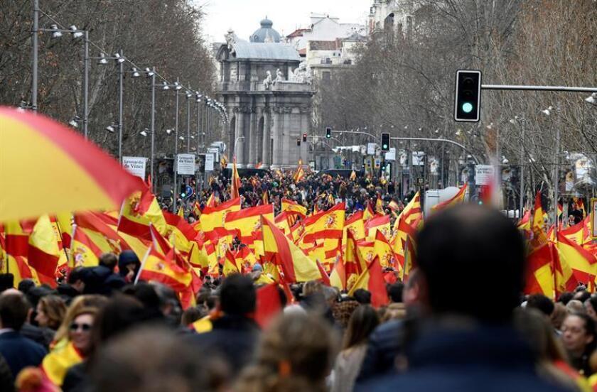 Vista de la calle de Velázquez, durante la concentración convocada por PP, Ciudadanos y VOX este domingo en la plaza de Colón de Madrid, en protesta por el diálogo de Pedro Sánchez con los independentistas catalanes y en demanda de elecciones generales. EFE