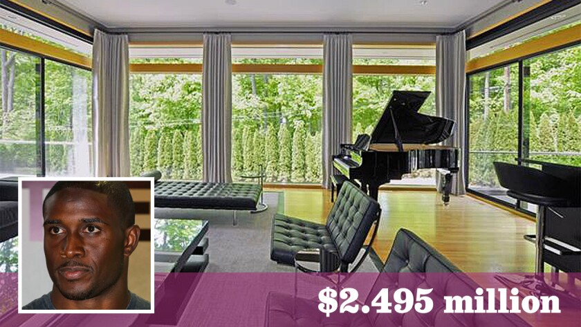 NFL tailback Reggie Bush has listed his home in the Detroit area for sale at $2.495 million.