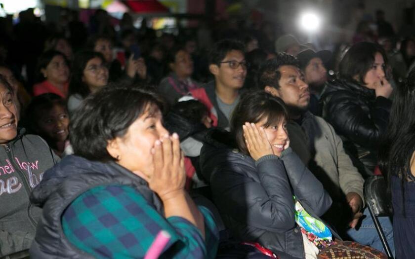 "Inhabitants of the town of Tlaxiaco, Mexico, birthplace of ""Roma"" star Yalitza Aparicio, follow the live broadcast of the Oscars on Sunday, Feb. 24. EFE-EPA/Mario Arturo Martinez"