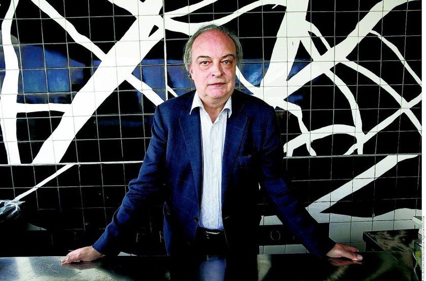 El autor español Enrique Vila-Matas, declarado ganador del Premio FIL de Literatura en Lenguas Romances 2015.Agencia Reforma/Archivo