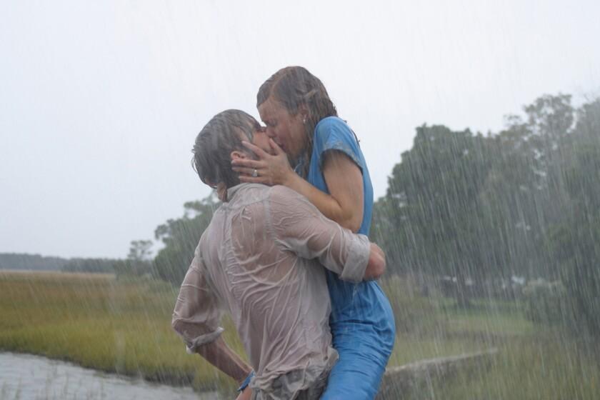 RACHEL McADAMS as Allie and RYAN GOSLING as Noah inNew Line Cinema's movie THE NOTEBOOK .